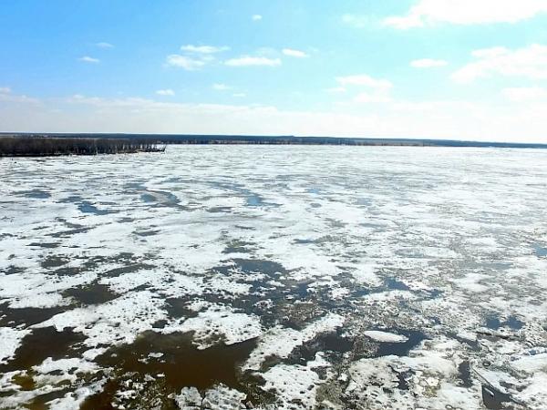 До Салехарда ледоходу осталось около 150 километров